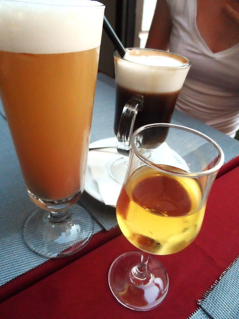 Rome, bar